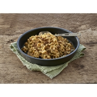 Sublimuotas maistas Aštrios jautienos troškinys su makaronais